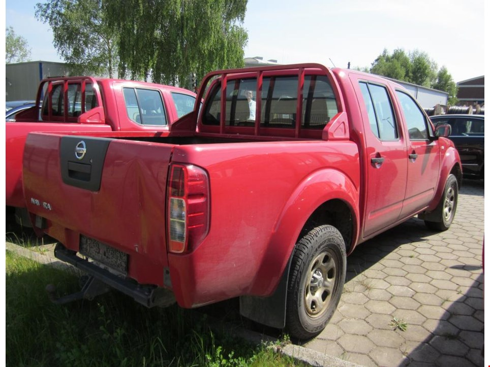 nissan navara lkw pick up doka 4x4 gebraucht kaufen auction premium. Black Bedroom Furniture Sets. Home Design Ideas