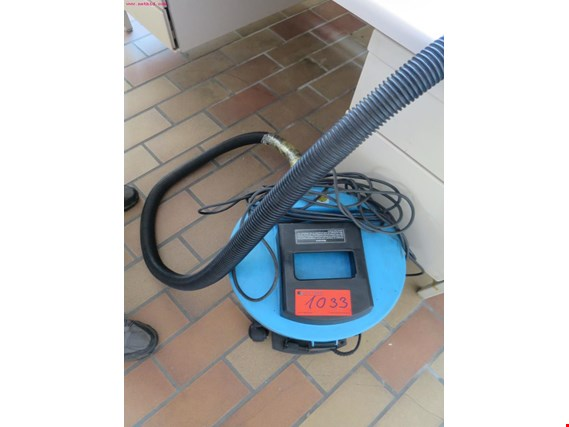 Used Compact vacuum cleaner for Sale (Auction Premium) | NetBid Industrial Auctions