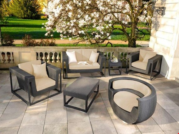 Used Garden furniture set, model St. Tropez for Sale (Auction Premium) | NetBid Industrial Auctions