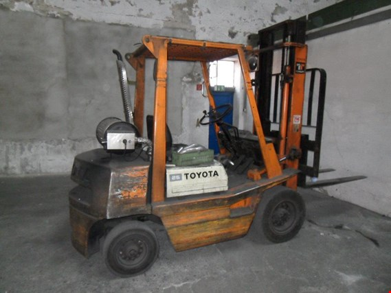 Used Toyota 02-4 FD 25 Diesel forklift truck for Sale