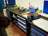 2 workbenches