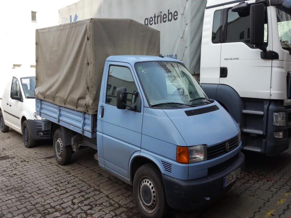 vw t 4 lkw pritsche gebraucht kaufen online auction. Black Bedroom Furniture Sets. Home Design Ideas