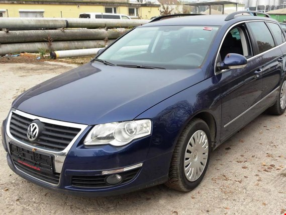 vw passat 1 4 tsi variant pkw gebraucht kaufen auction. Black Bedroom Furniture Sets. Home Design Ideas