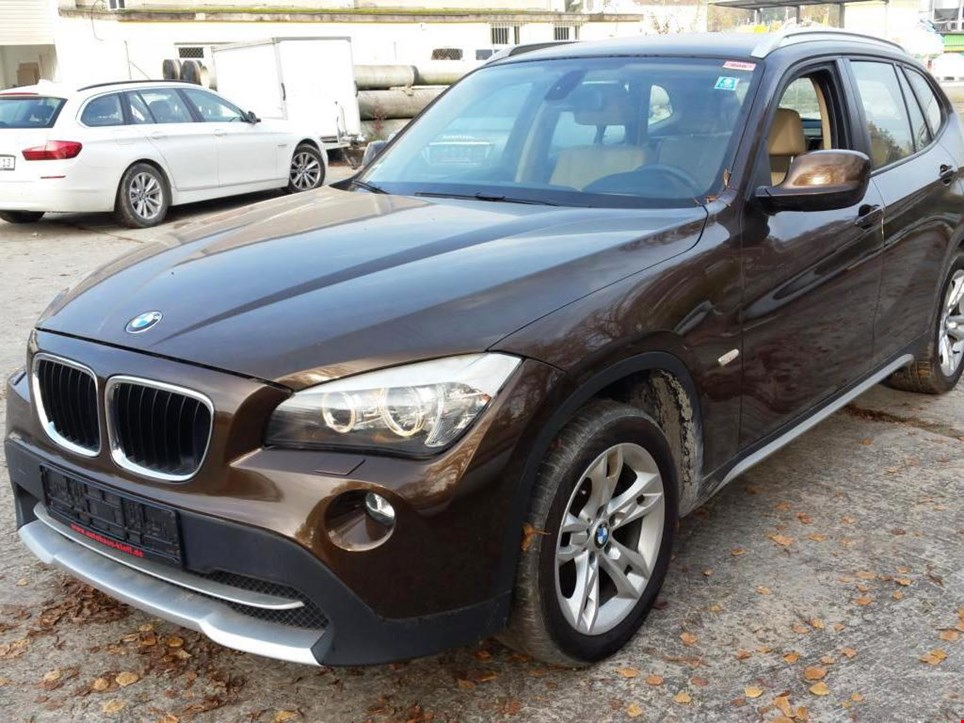 bmw x1 20d xdrive pkw gebraucht kaufen auction premium. Black Bedroom Furniture Sets. Home Design Ideas