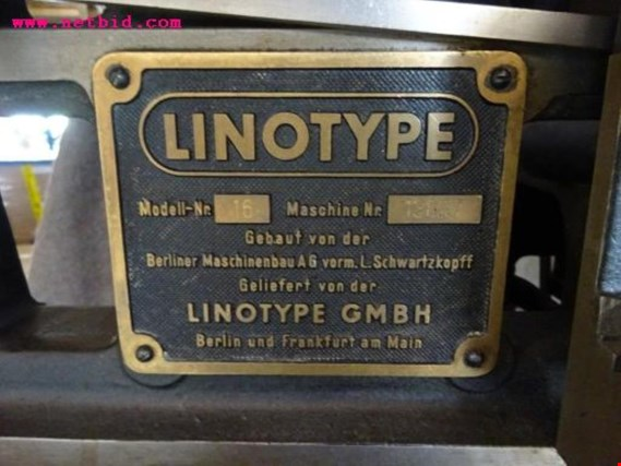 Used Linotype Modell 16 historical typesetting machine for