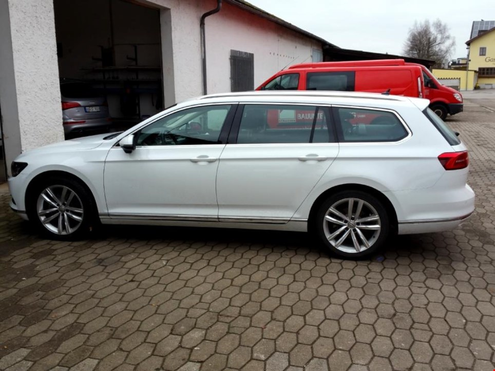 vw passat variant 2 0 tdi highline pkw gebraucht kaufen auction premium. Black Bedroom Furniture Sets. Home Design Ideas