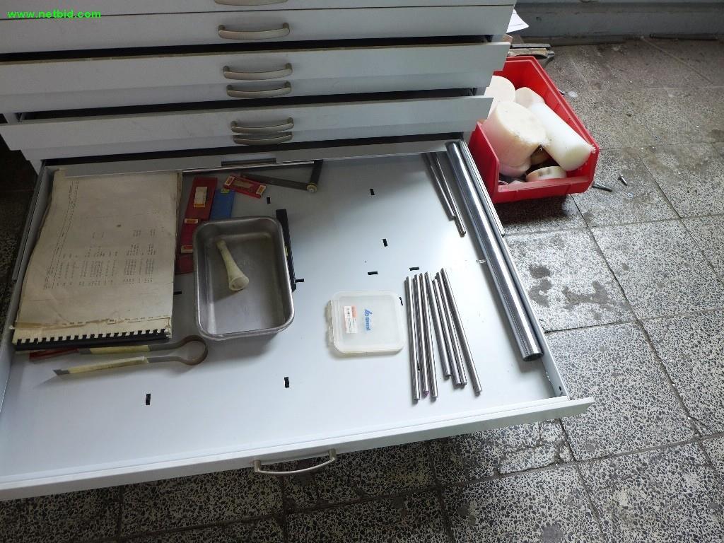 Used 2 Schubladenschränke / Planschränke For Sale (Auction Premium)