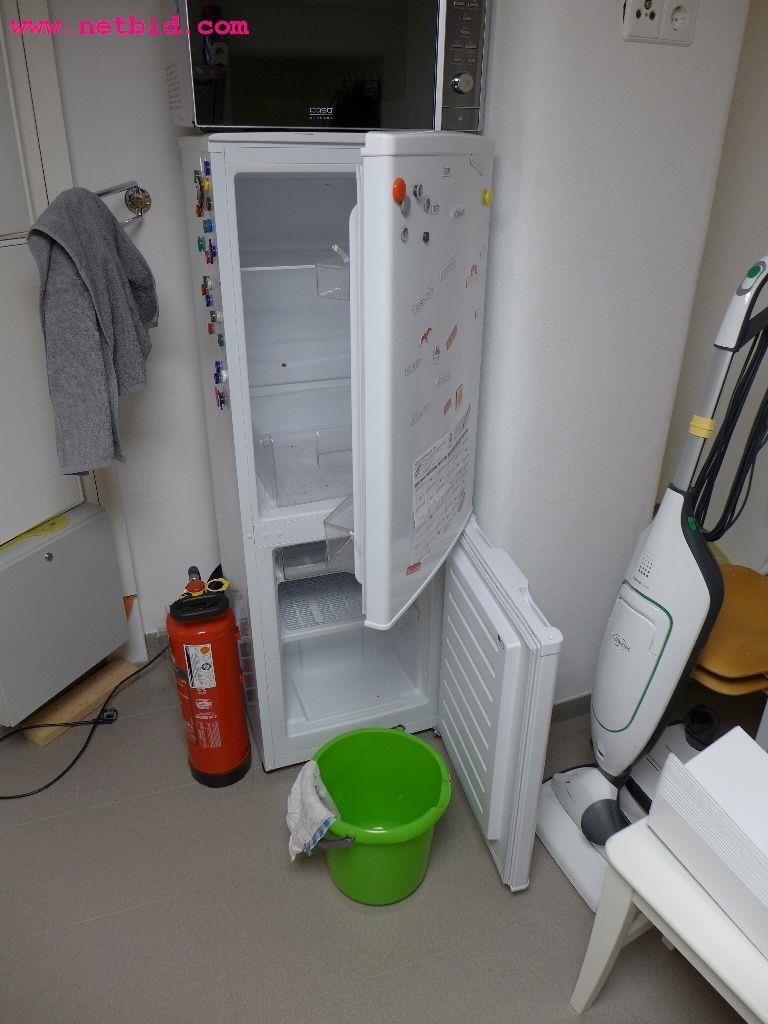 Bomann Kühlschrank Gefrierkombi : Bomann kg kühl gefrierkombination gebraucht kaufen auction