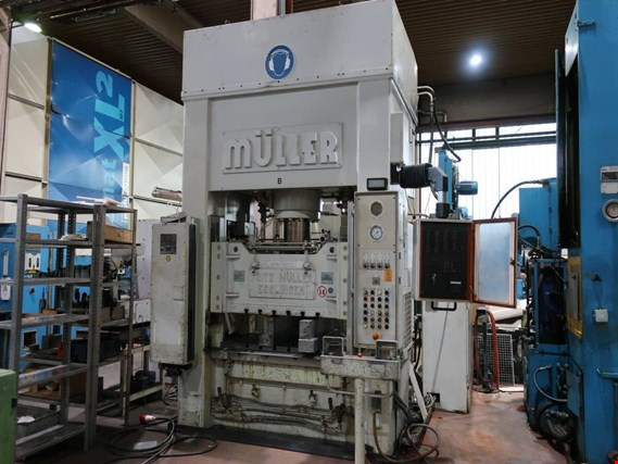 Used Fritz Müller KEZ 250-13,5/5.1.1 dual column hydraulic press - Subject to prior sale for Sale (Trading Premium) | NetBid Industrial Auctions