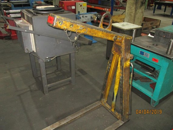 Used Crane pallet fork for Sale (Trading Premium)