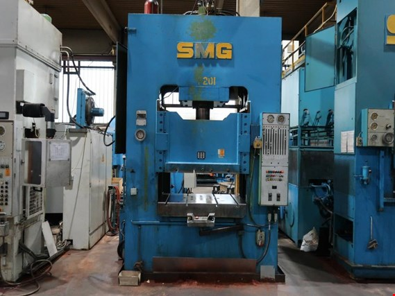 Used SMG DS250 dual column hydraulic press (7201) for Sale (Trading Premium)
