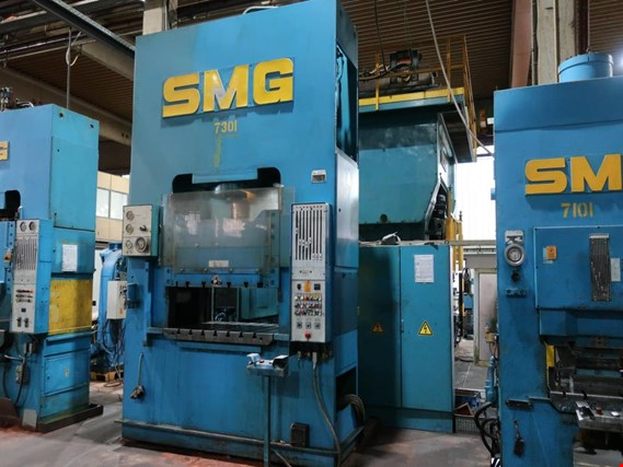 Used SMG DS315 dual column hydraulic press (7301) - Subject to prior sale for Sale (Trading Premium) | NetBid Industrial Auctions
