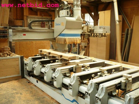 Online Auction discharged and well-maintained machines from the window construction sector