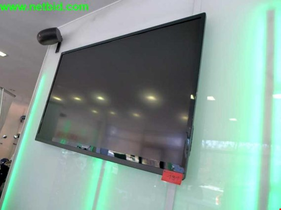 sharp aquos 60 led tv gebraucht kaufen auction premium. Black Bedroom Furniture Sets. Home Design Ideas