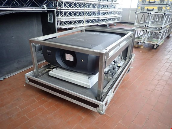 Online auction extensive batch of event technology - sound, light and video equipment