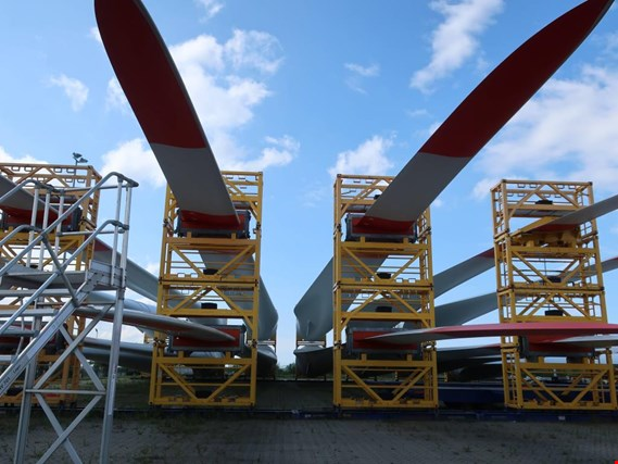 Rotor blade sets and individual rotor blades for wind turbines