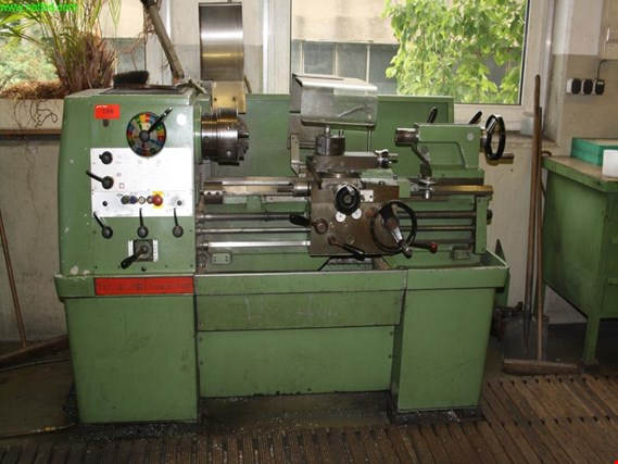 Used Colchester Triumph 2000 sliding and screw cutting lathe for Sale (Auction Premium) | NetBid Industrial Auctions