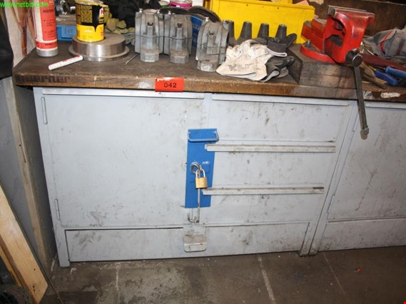 Used workbench for Sale (Auction Premium)