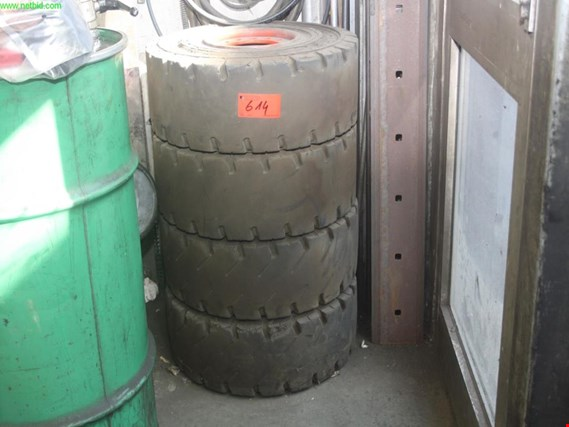 Used 1 Satz forklift tires for Sale (Trading Premium) | NetBid Industrial Auctions