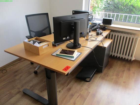 Used Vario office desk for Sale (Trading Premium)