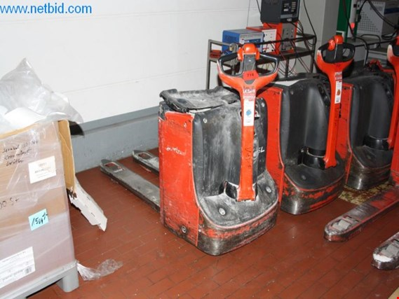 Used Linde T16L Gabelhubwagen for Sale (Auction Premium) | NetBid Industrial Auctions