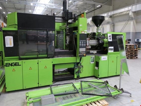 Injection molding machines Engel