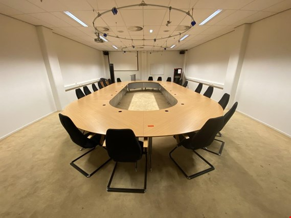 Used Conference table 20 persons for Sale (Auction Premium) | NetBid Slovenija