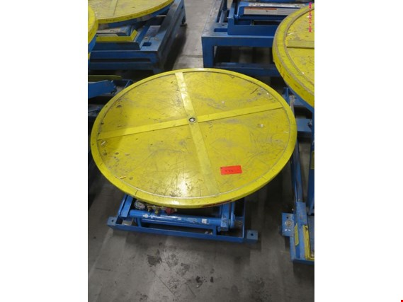 pneumatic scissor lifting platform (Auction Premium) | NetBid España