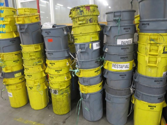 Used lot plastic waste bins for Sale (Auction Premium) | NetBid Slovenija