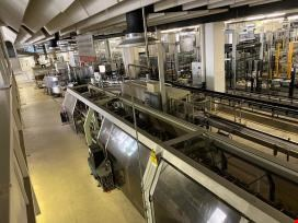 Filling, labeling and packaging line of the brewery sector
