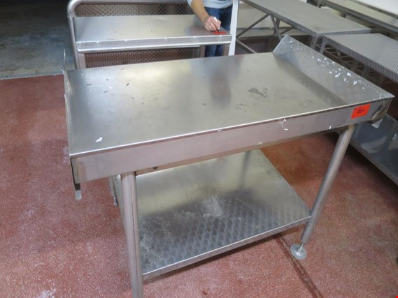 Used 2 Stainless steel storage tables for Sale (Auction Premium) | NetBid Industrial Auctions