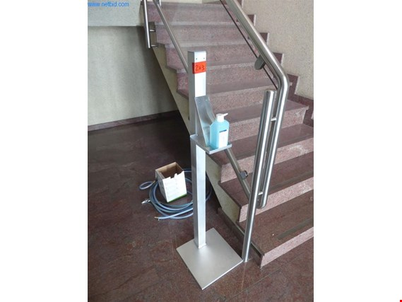 Disinfectant stand (Auction Premium) | NetBid ?eská republika