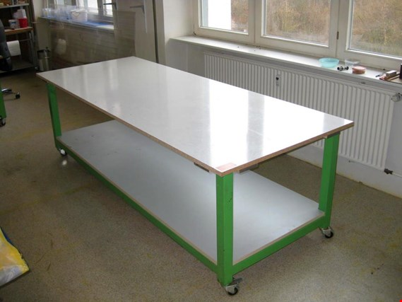Stable, mobile laminating/working table (Auction Premium) | NetBid ?eská republika