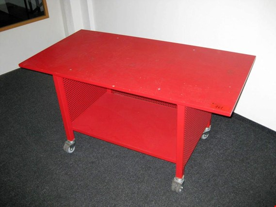 small mobile worktable (Auction Premium) | NetBid España
