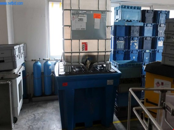 Used Asecos IBC-Station collecting pan f. hazardous materials for Sale (Trading Premium) | NetBid Industrial Auctions