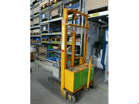 Used Kaiser + Kraft BTG128 Electric pedestrian pallet truck for Sale (Auction Premium) | NetBid Industrial Auctions