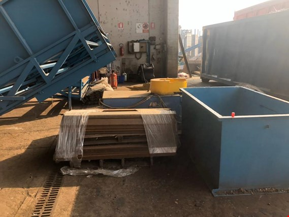 Used Ital-Cos Officine Meccaniche Srl Baling press / Baler  Waste paper and cardboard baling press/baler for Sale (Auction Standard) | NetBid Industrial Auctions