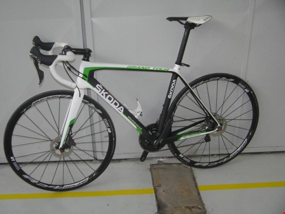 Used 1 bundle item no 1677 - road bikes 3 for Sale (Auction