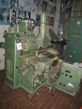 Forming machine with tools