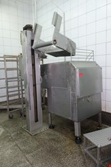 Mixer with lifter for carts