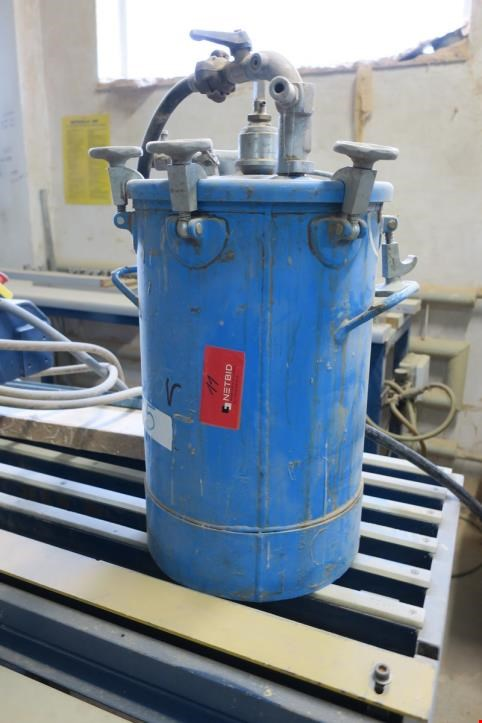 Used Kremlin Pressure tank for glue for Sale (Auction Premium)