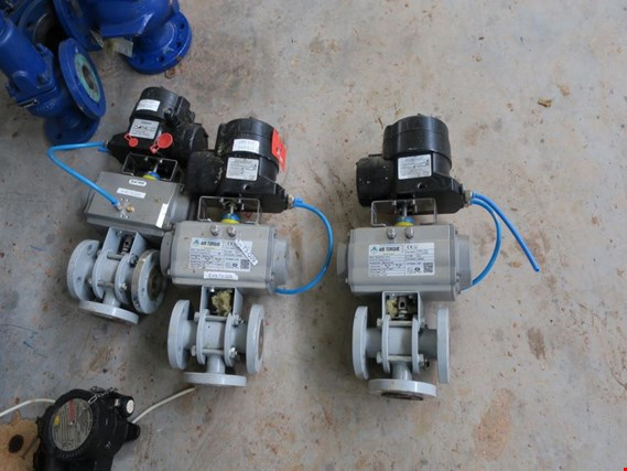DN25 Three-way valves, automatic, with positioner, DN25, 3 pcs de ocasión (Auction Premium)