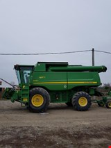 John Deere S690 Combine with 630R header and trolley