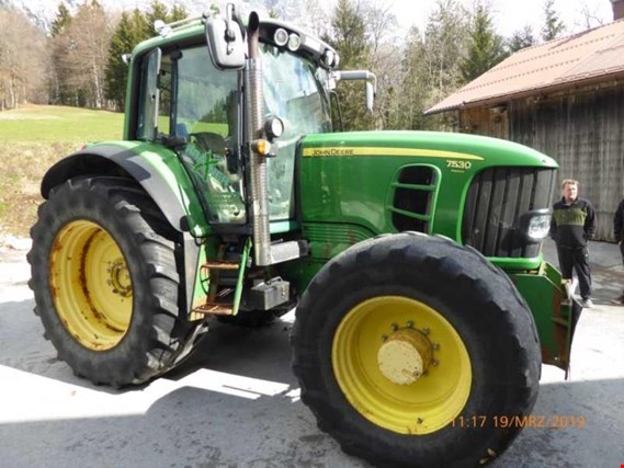 Used John Deere 7530  Tractor for Sale (Trading Premium)