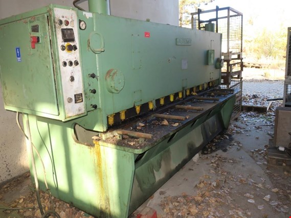 Used Plasomat NGH-6 Guillotine shears for Sale (Auction Premium) | NetBid Industrial Auctions