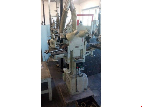 Used TOS Kurim BN 2 Tool grinder for Sale (Auction Premium) | NetBid Industrial Auctions
