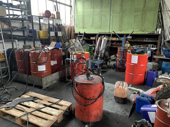 Used Barrel with oil pump for Sale (Trading Premium) | NetBid Industrial Auctions