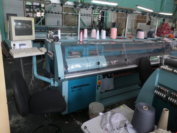 UNIVERSAL MC-848 Knitting machine (Auction Premium) | NetBid ?eská republika